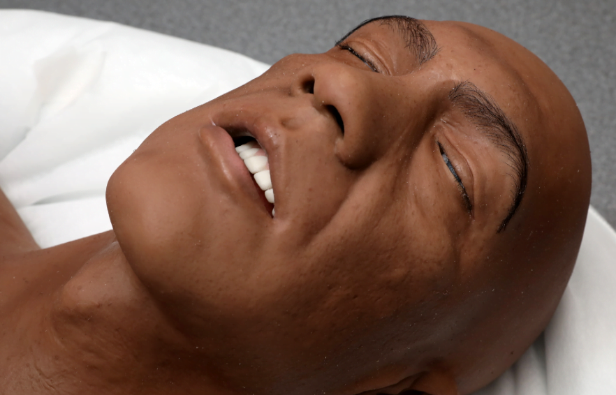 DMU Medical Students Practice on New Hyper-Realistic Medical Mannequins 1