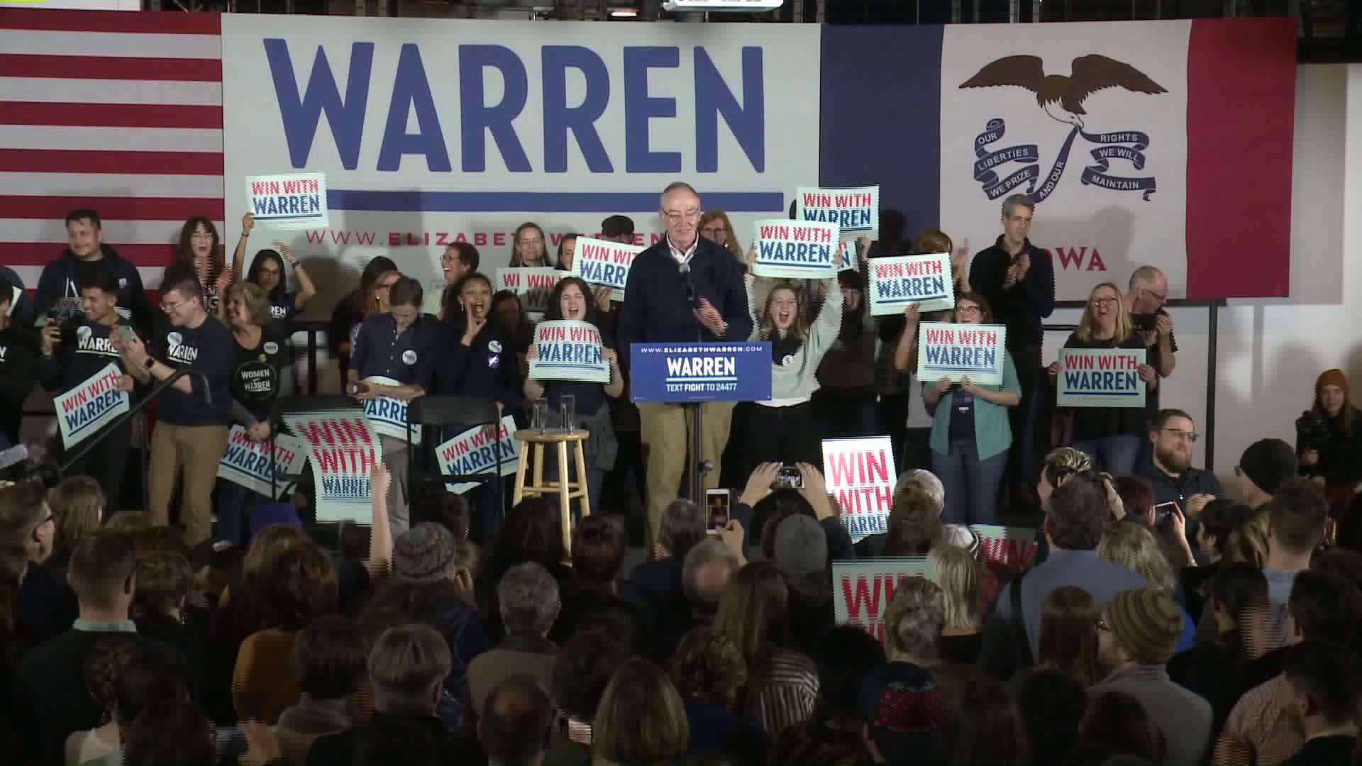 Elizabeth Warren Misses Des Moines Rally Due to Impeachment Trial 1