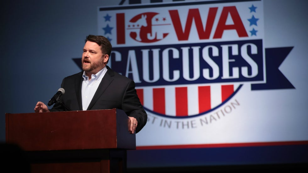 Iowa Democratic Chair Responds to Whether DNC Leader is 'Throwing You Under the Bus' 1