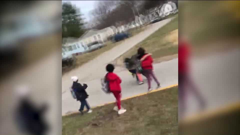 Missouri Parent Pulls Gun on School Bus; School Administrators Respond 1