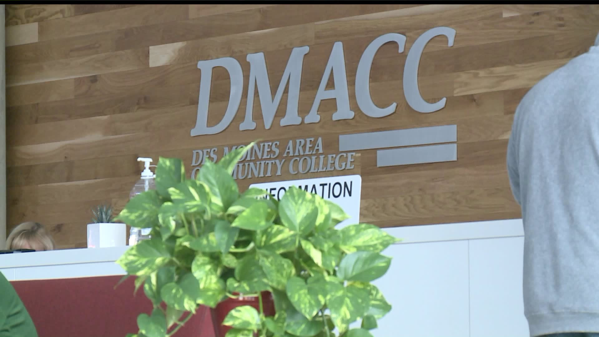 UPDATED: DMACC Issues Corrected Spring Schedule; Plans to Resume On-Campus Classes April 13th 11