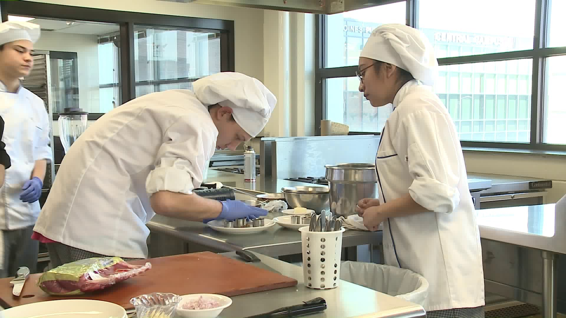 Iowa High School Students Competing in Culinary Competition 2