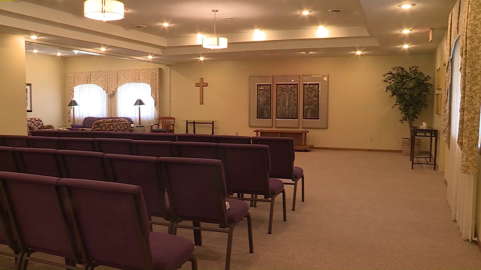 How Iowa Funeral Homes Are Adjusting to COVID-19 Concerns 3