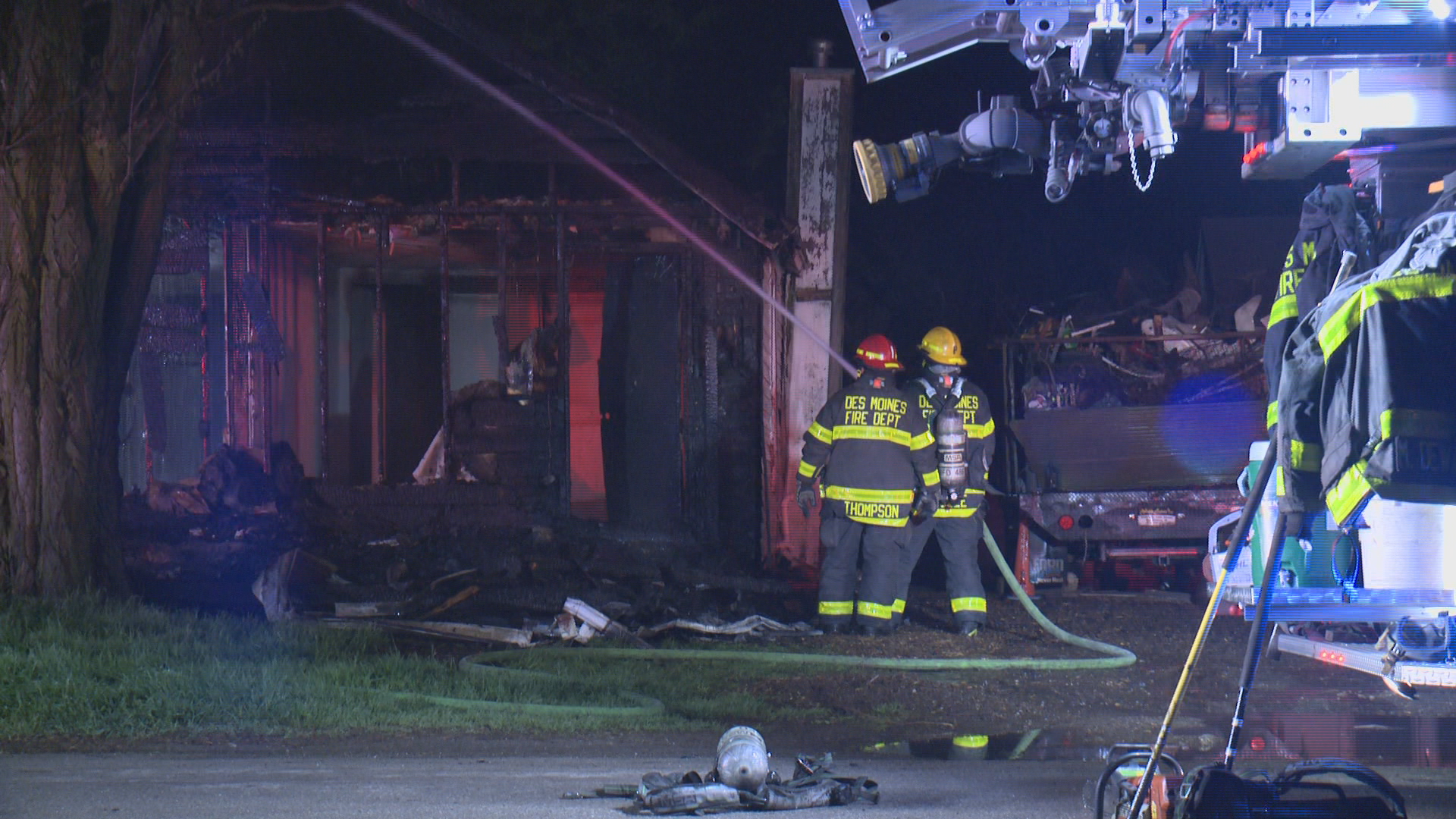 Early Morning Fire Damages Vacant Des Moines Home 5