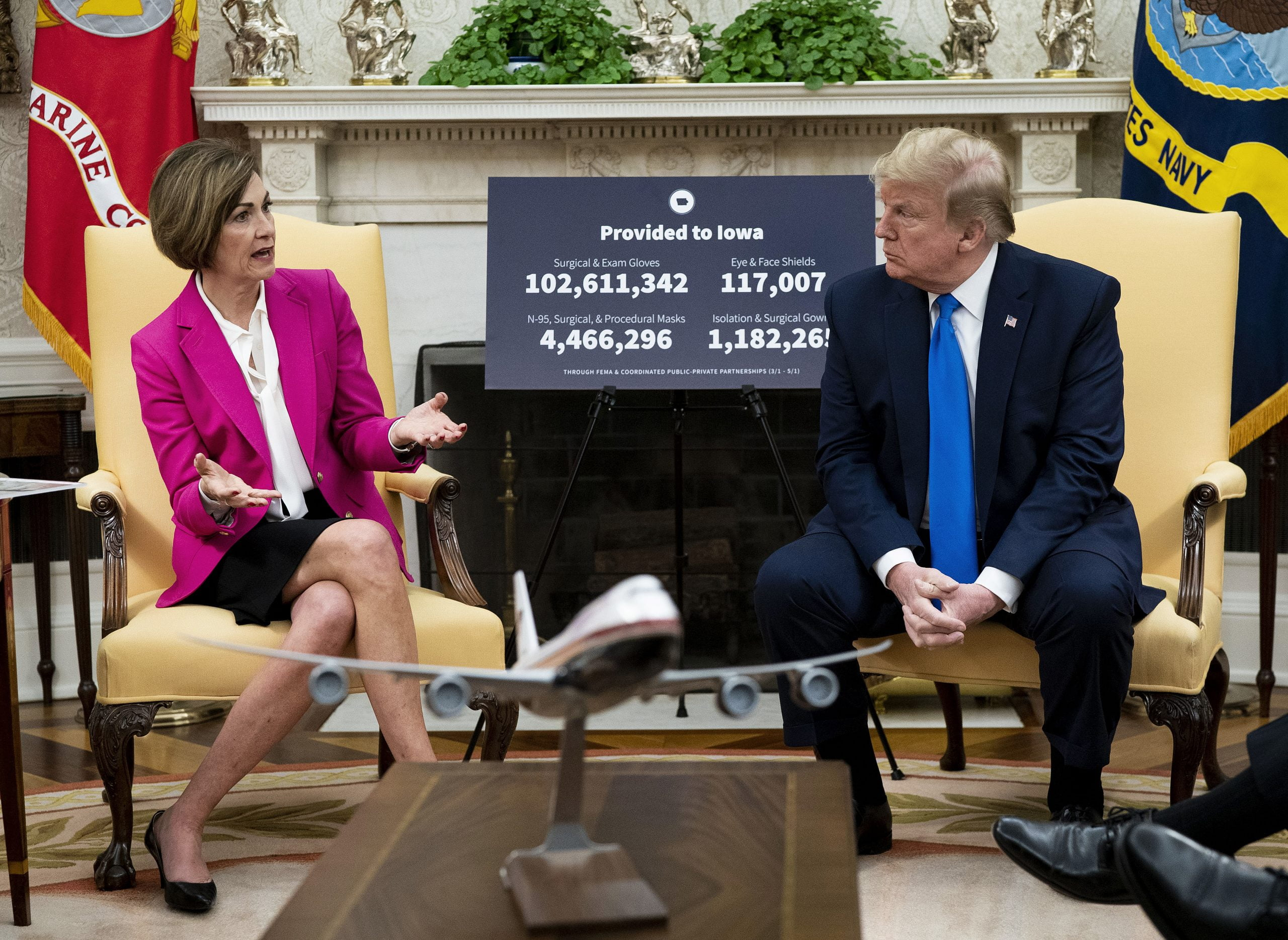Governor Reynolds, Dr. Pedati Meet with President Trump in Oval Office 10