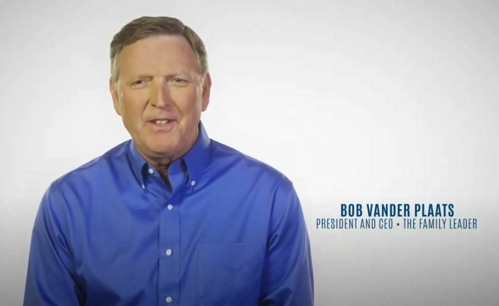 Longtime Iowa Social Conservative Leader Appears in Ad Opposing Rep. Steve King 10