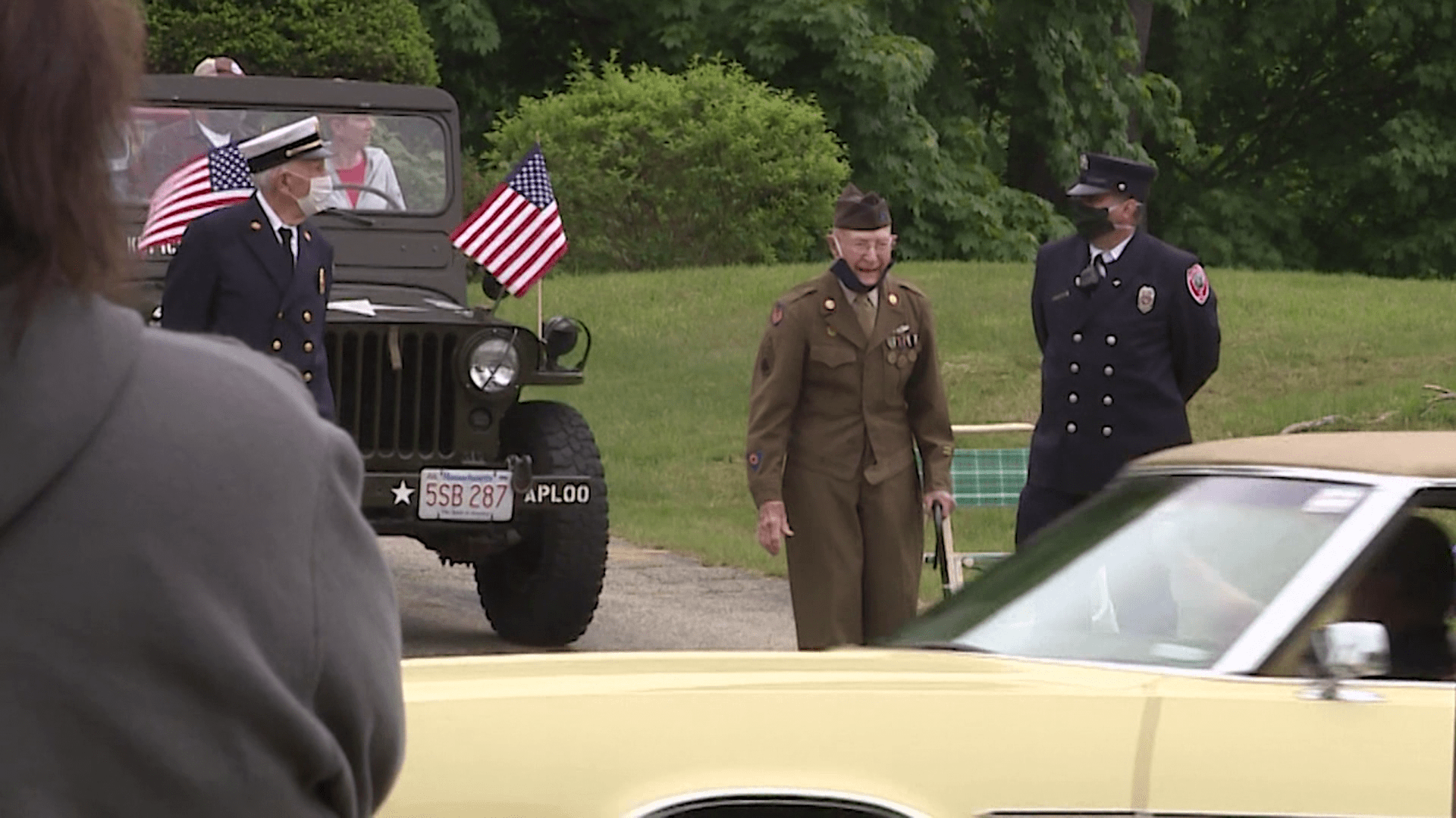 Surprise Drive-By Parade For Soldier Before Send-Off Ceremony 1