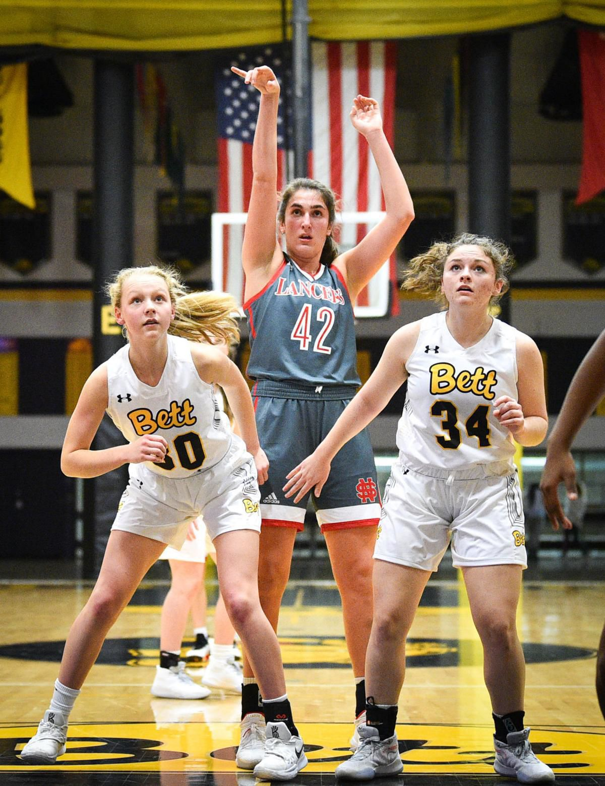 Iowa women's basketball freshman Caitlin Clark not intimidated by high expectations 1