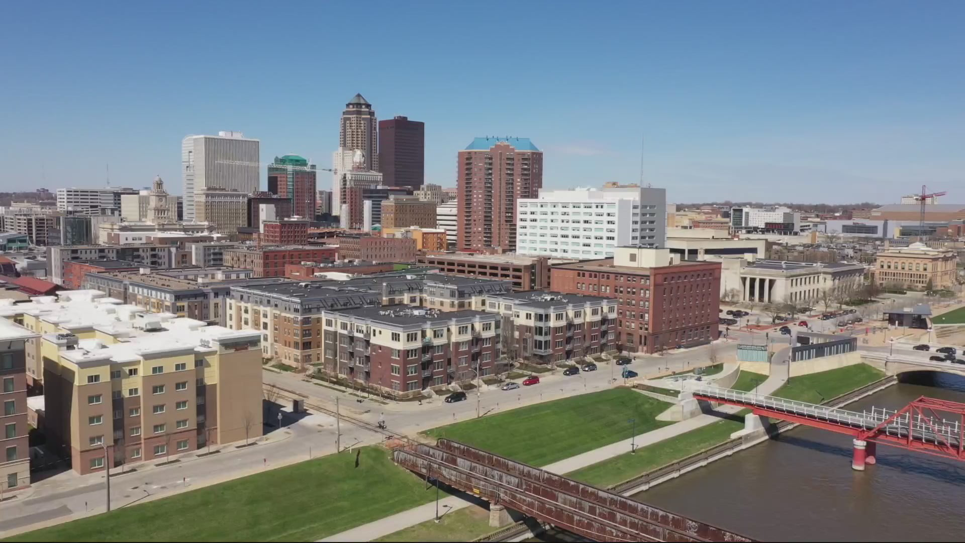 City of Des Moines Eases Some COVID-19 Restrictions, Extends Others 1