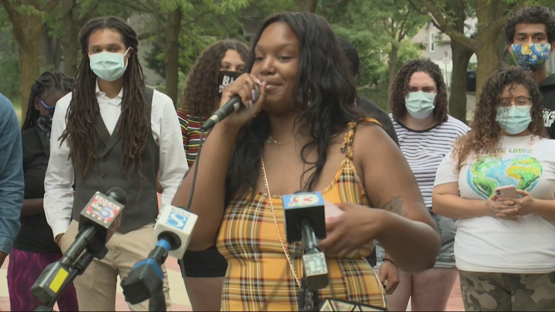 Black Lives Matter Reacts To Signed Executive Order 6