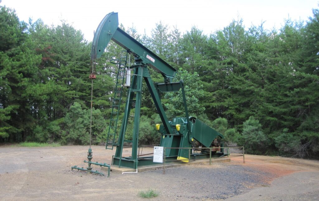 Federal judge halts Biden pause on new oil and gas leases across the U.S. 6