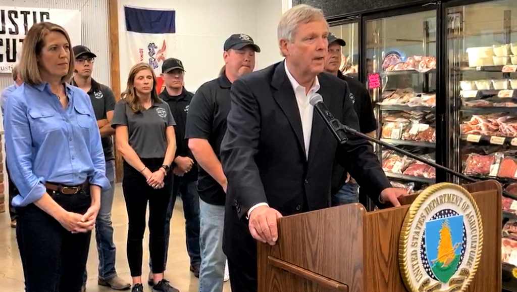 Vilsack in Iowa: USDA will offer $655M to smaller meatpackers in bid to add competition 1